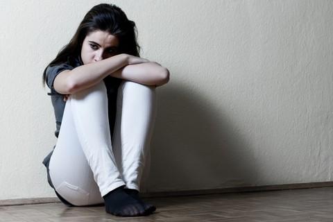 I vizi dell'adolescenza possono lasciare cicatrici indelebili