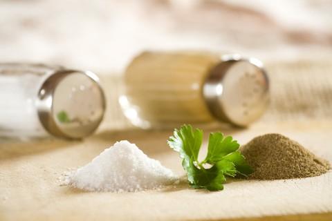 Dimezzando la quantità di sale nella dieta giornaliera si guadagna salute