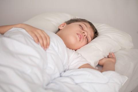 Se bagna ancora il letto dopo i 4 anni è enuresi