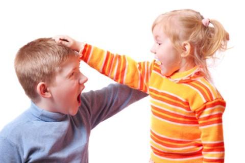 Bullismo anche tra fratelli: una realtà più frequente di quanto si creda