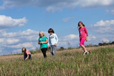 Aspettando le vacanze per tutta la famiglia, pensiamo ai campi estivi