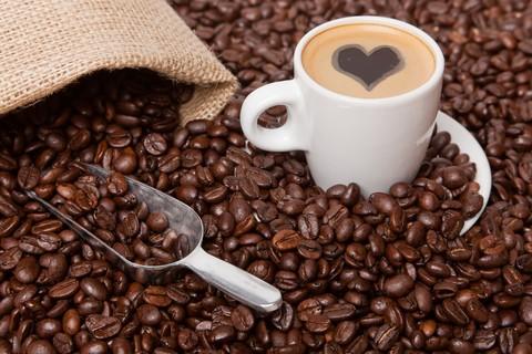 E' buona e rende svegli, ma per i ragazzini troppa caffeina non va bene