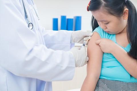 Vaccino anti-influenzale candidati premium: bambini e nonni