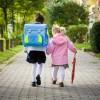 A scuola si va a piedi, è bene per i bambini oltre che per il portafoglio