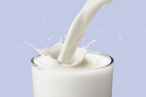Latte vaccino, cautela anche dopo l'anno di vita