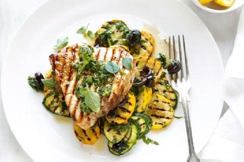 Pollo alla griglia con zucchine