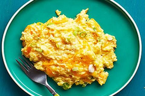 Uova e formaggio a colazione