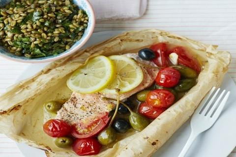 Salmone alle olive al cartoccio