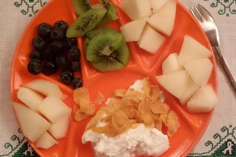 Mirtilli, Kiwi e pera con yogurt