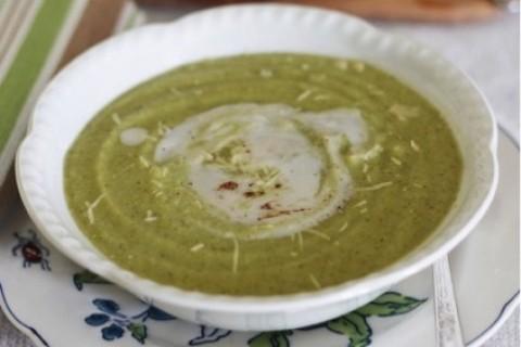 Zuppa di broccolo romano e patate
