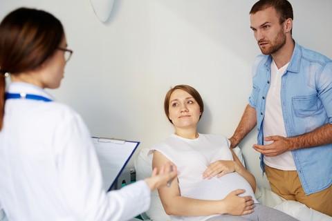 OMS fissa quante visite ed ecografie fare in gravidanza