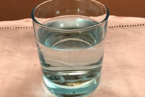 Acqua, in Italia se beve troppo poca