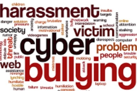 Cyber-bullo: come riconoscerlo