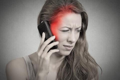 Cellulare, limitarne l'utilizzo tutela la salute