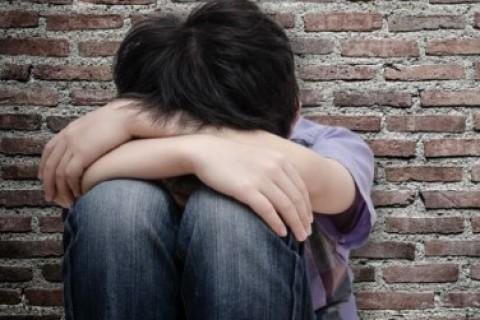 Autolesionismo e bullismo, teenager sotto scacco