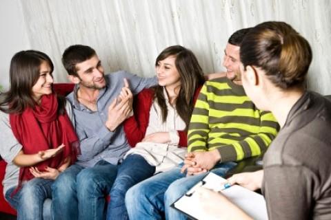 Fumo, alcol e sesso non protetto: i problemi dei ragazzi