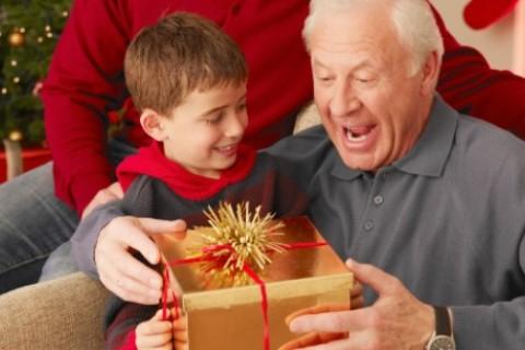 I nonni, pietra miliare del Natale per i più piccoli