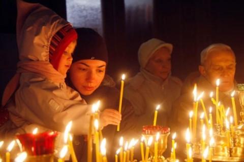 La storia di Natale perché il 25 per cattolici e 6 gennaio per ortodossi
