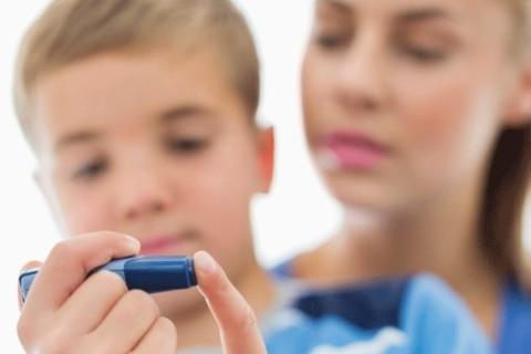 Diabete 1: la scuola pretende un adulto accanto