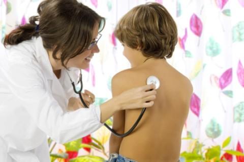 Malattie respiratorie: tutti i possibili danni del fumo passivo
