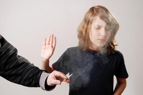 Cosa fare quando ci rendiamo conto che i nostri ragazzi sono fumatori