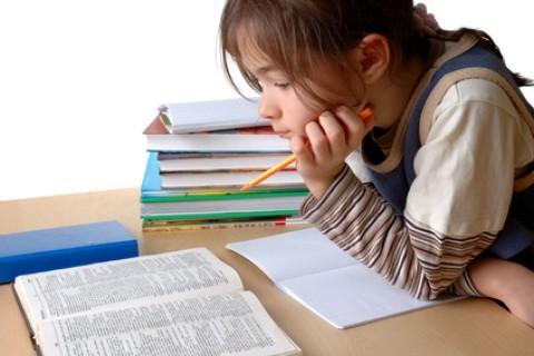 Compiti per casa, i bambini hanno bisogno di un angolo tutto per loro