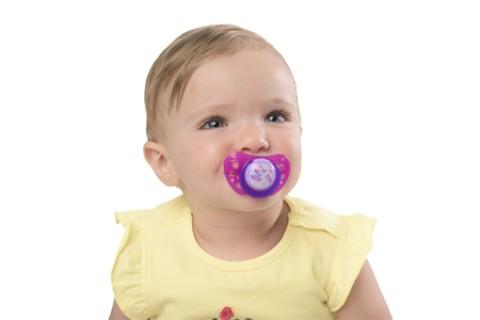 Ciucciotto, si può dare o no ai bambini