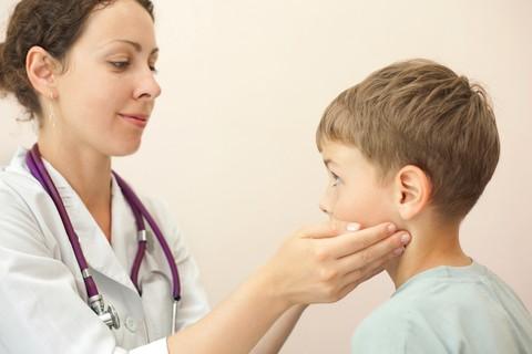 Linfonodi gonfi nei bambini: niente paura può essere una banale infezione