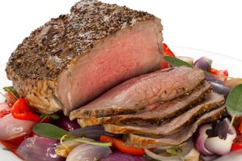 La carne troppo cotta aumenta gli zuccheri nel sangue