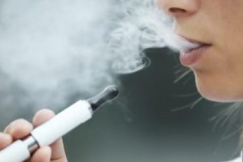 Primo caso di polmonite da sigaretta elettronica