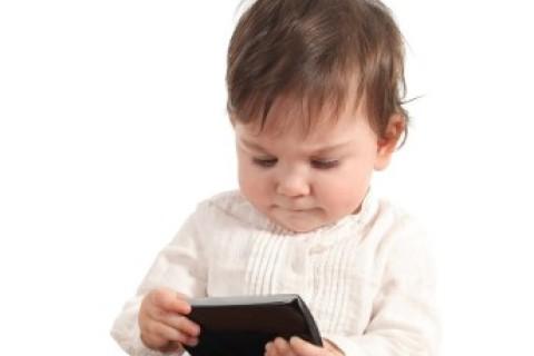 Smartphone: è concesso ai nostri figli troppo presto
