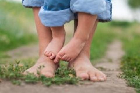 La libertà di camminare a piedi nudi