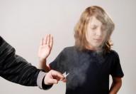 Un vizio adolescenziale: il fumo. Spesso inizia con l'ingresso alle medie