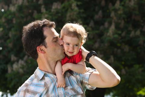 Dai bambini del muretto per tutti i papà del mondo con infinito affetto
