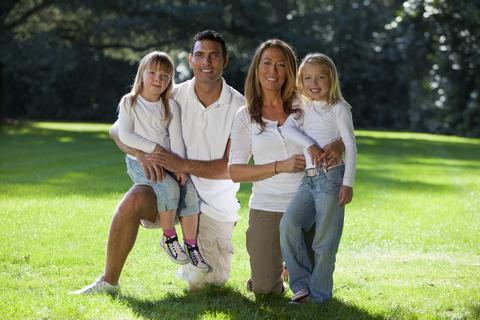 famiglia al parco estivo