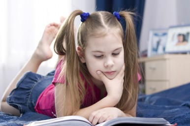 Un giro tra i ripiani delle librerie cercando libri giusti per ragazzi