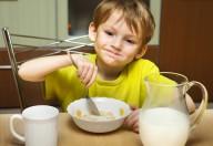 Per essere ben fatta, la colazione deve essere consumata stando seduti a tavola