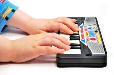 Suonare uno strumento musicale
