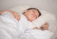 Gli adolescenti sono più sereni e concentrati se possono dormire di più