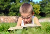 Libri per ragazzi: Leggere in vacanza aiuta a sognare, a crescere e tiene compagnia