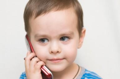 Cellulari in classe, in Italia sono vietati ma hanno via libera a New York