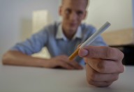 Case dei fumatori di sigarette come le grandi città per inquinanti tossici