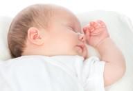 Attenzione alle foto pubblicitarie: i bambini devono dormire a pancia in su