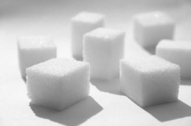 Consumiamo troppo zucchero: l'OMS ha rilasciato le nuove Linee Guida