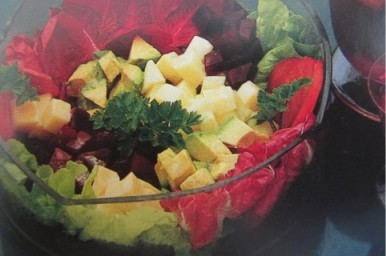 Insalata di patate e barbabietole