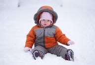 A passeggio con il neonato anche se è freddo
