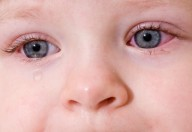 Gli occhi vanno sempre protetti dai raggi solari