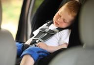 Dimenticare i figli in macchina: non dovrebbe ma è possibile