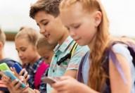 Ai cellulari dovrebbe essere vietato l'ingresso in classe