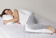 Dormire in gravidanza, su di un fianco è meglio